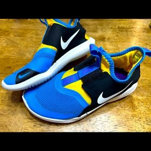 Nike flex runner shoes size 1 Youth
